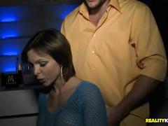 Сексуально озабоченные шлюшки сняли пацана