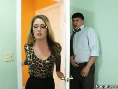 Озабоченный извращенец порноует взрослую даму Эффи